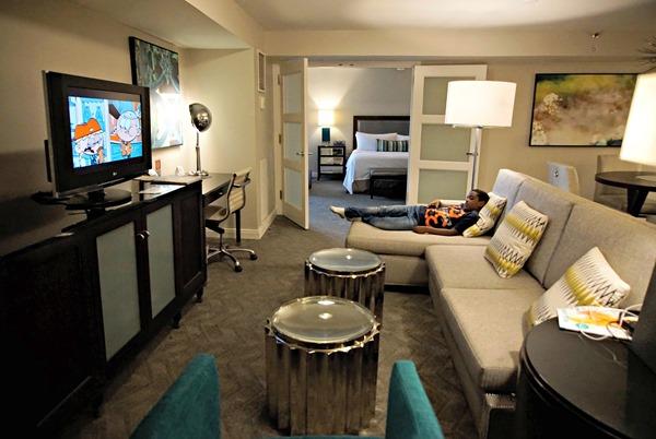 Center Tower Executive Suite - Living Area