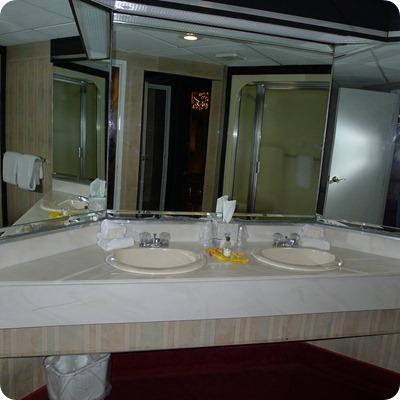 cove haven resorts dual sink bathroom