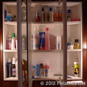Less cluttered medicine cabinet