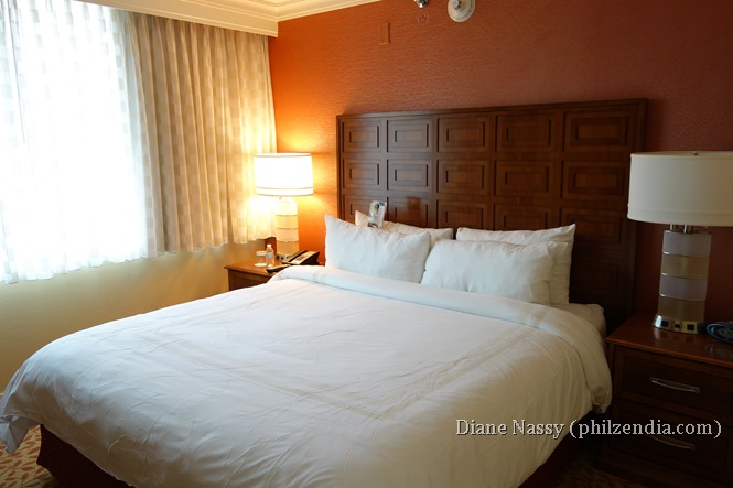 Bedroom with King Bed at Baltimore Marriott Inner Harbor
